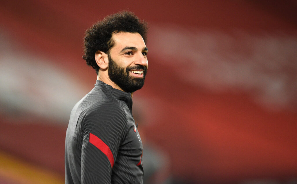 Indeed, on the set of the Transfer Window Podcast, the sports journalist at the Times, Duncan Castles, explained that Nasser Al-Khelaïfi and his collaborators are thinking about Mohamed Salah of Liverpool FC as a possible replacement for the French striker. In the sights of Barcelona and Real Madrid, which makes him an alternative to Mbappe, Mohamed Salah would have become the new target of Leonardo, the man in charge of the sports sector at the Parisian club.