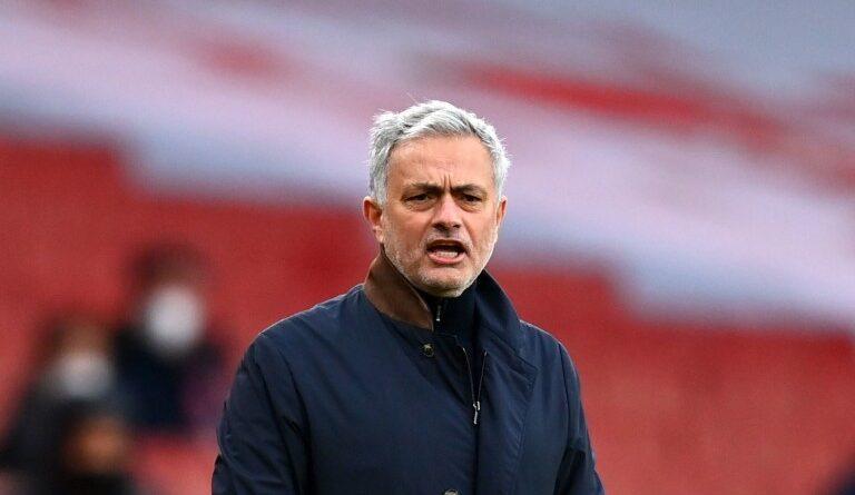 FOOTBALL - Tottenham: Mourinho shoots red balls after Arsenal
