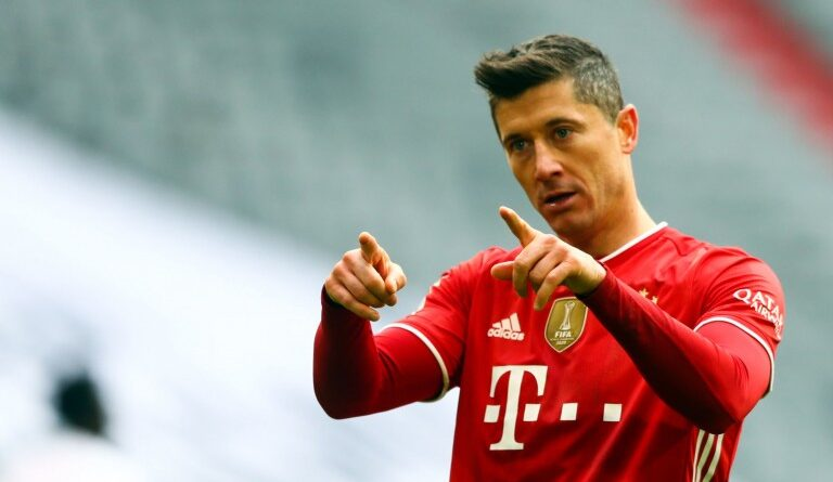 """Robert Lewandowski wants to continue his adventure at Bayern Munich. And the arrival of Nagelsmann to replace Hansi Flick will not change that. """"We are Bayern, so we will do our best to win all the trophies again with Nagelsmann. For me, it doesn't change much: I have to score with Flick and I will have to continue to do it with the new coach to help the team. Scoring is something I like. When I can do it and we win, everything looks better"""". The possible courtiers are warned. In search of a possible successor to Kylian Mbappé, PSG will have to make a cross on this offensive track."""